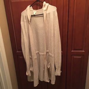 NWOT long sweater. It's very cozy and cute.